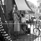 Pietro Donzelli: Käseladen in Pozzuoli, 1950-er Jahre. ©  Estate Pietro Donzelli, Frankfut a.M., Courtesy DZ BANK Kunstsammlung
